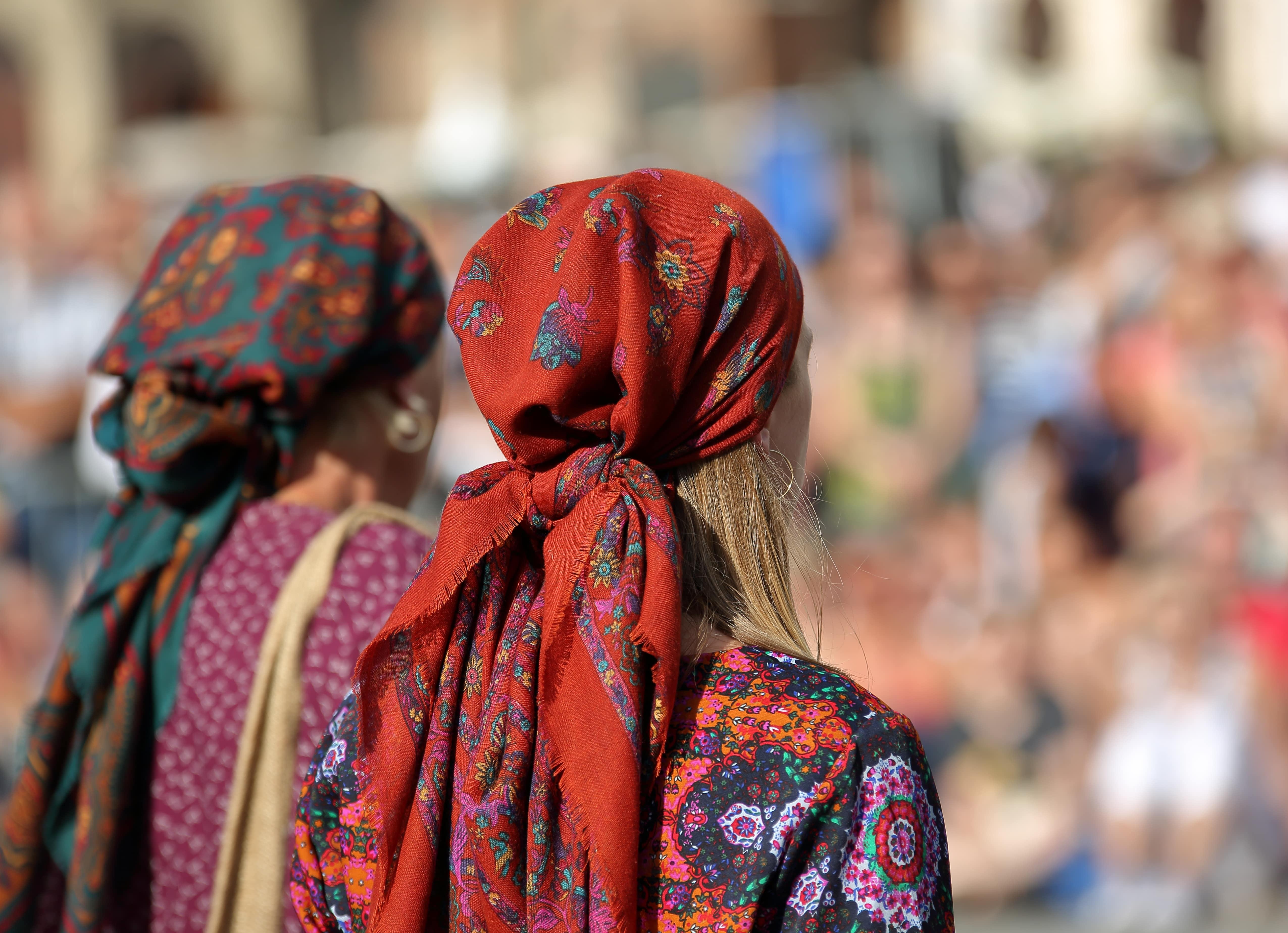 Image représentant des jeunes filles de la communauté des Gens du voyage